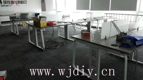 龙华民治嘉熙业广场8楼办公室卡位强电弱电布线.jpg