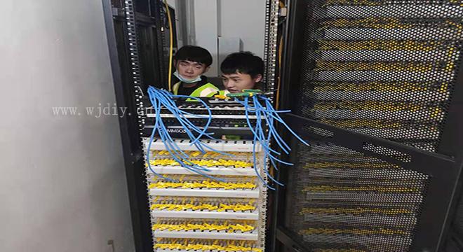 弱电综合布线机房需要用到的设备 机房综合布线的连接方法n.jpg