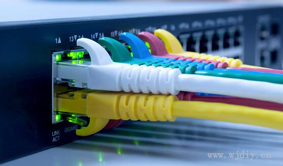 安装监控.网络综合布线.门禁安装.智能系统服务.弱电工程公司.jpg