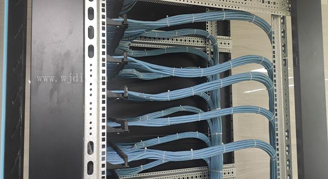 网络布线中的跳线是什么 深圳港湾大道附近办公室网络布线.jpg
