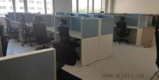 南方科技大学海洋系办公室卡位布网线装电源插座.jpg